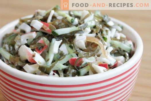 Salade d'algues à l'œuf - cinq meilleures recettes. Cuisine délicieuse salade avec le chou marin et l'oeuf.
