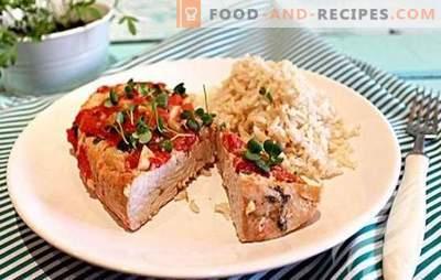 La feuille de dinde est le plat de fête idéal! Les 10 meilleures recettes de dinde en papillote: au sarrasin, aux pommes de terre, aux carottes et aux ananas