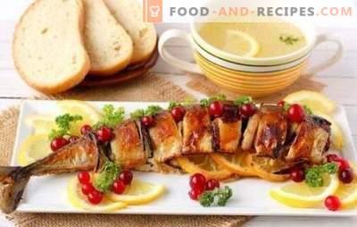 Maquereau au citron - un poisson aromatique pour le dîner. Maquereau entier cuit au four avec du citron, dans une feuille avec du citron - nombreuses options