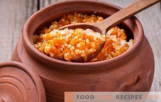 La bouillie de mil avec le potiron dans une casserole est cuite sans four russe. Bouillie de mil, sucrée et friable, avec citrouille dans un pot