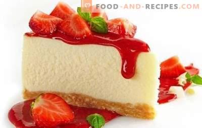 Décoration de table - Cheesecake coloré aux fraises. Dessert Cheesecake Aux Fraises: Cuisson Chaude Et Froide