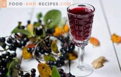Le vin fait à la maison avec de l'aronia est une boisson unique! Recettes de cuisson du vin aromatique de l'aronia à la maison