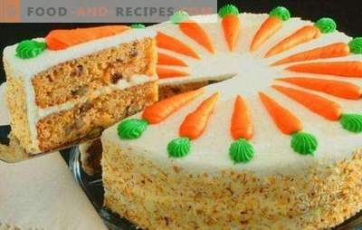 Gâteau aux carottes classique - dessert d'automne juteux. Gâteau aux carottes classique avec épices, fromage à la crème, noix, chocolat