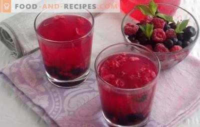 Raspberry compotes with gooseberries, currants, and even cream. Pantry of vitamins in raspberry compotes for the winter