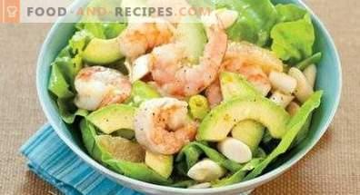 Salades à l'avocat et aux crevettes