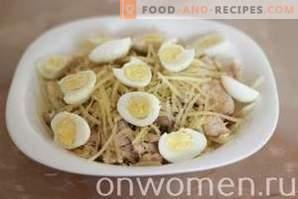 Salade au poulet, chou et fromage