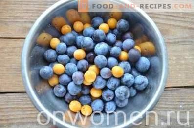 Compote de pommes et de prunes pour l'hiver