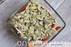 Salade en couches avec des pousses