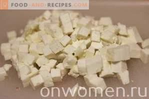 Salade aux bâtonnets de crabe et aux olives