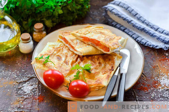 Snack chaud de pita aux saucisses et au fromage: pas diététique, mais savoureuse géniale