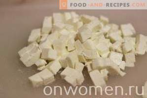 Salade au fromage Adyghe et au poulet