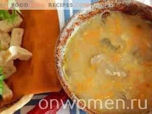 Soupe de maquereau en conserve dans une mijoteuse