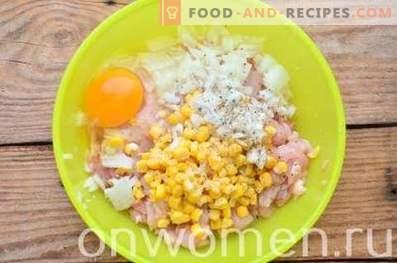 Galettes de viande de poulet hachées au maïs