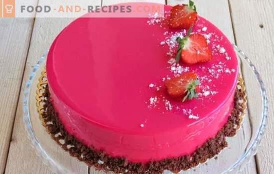 Le gâteau à la mousse est magnifique et incroyablement savoureux! Recettes de gâteaux mousse avec glaçage miroir sur lait concentré, avec cacao et chocolat