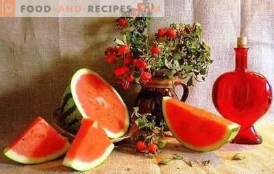 Vin de pastèque: table, liqueur de dessert. Recettes pour le vin de pastèque sur les raisins, la levure, la vodka