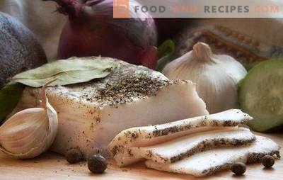 Le saindoux à l'ail est un plat démocratique pour tous les goûts. Une collection de recettes de bacon à l'ail gourmet