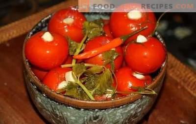 Marinierte Tomaten mit Knoblauch - der Lieblingssnack! Rezepte eingelegte Tomaten mit Knoblauch: unvergesslicher Geschmack