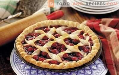 L'été nous fait plaisir avec de nombreux visages avec des tartes aux fraises (recettes avec photos). Variantes de différentes tourtes à la fraise: levure, gelée, sable