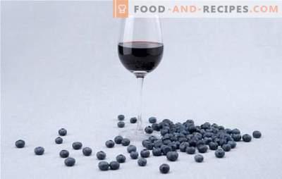 Caractéristiques de la préparation de la purée de vin aux bleuets. Recettes simples de vins traditionnels de bleuets pour la vinification à la maison