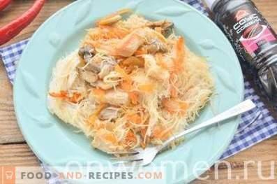 Vermicelles de riz au poulet à la sauce soja