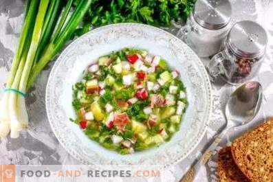 Okrochka sur du vinaigre avec de l'eau