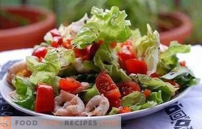 Salades avec cocktail de la mer